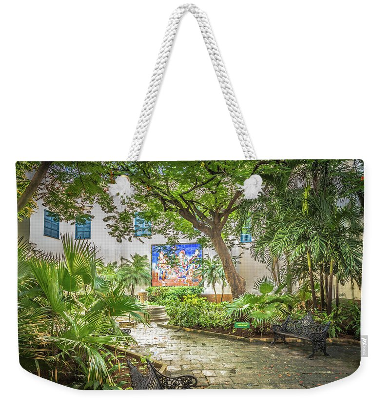 Havana Weekender Tote Bag featuring the photograph Garden In The Square by Bill Howard