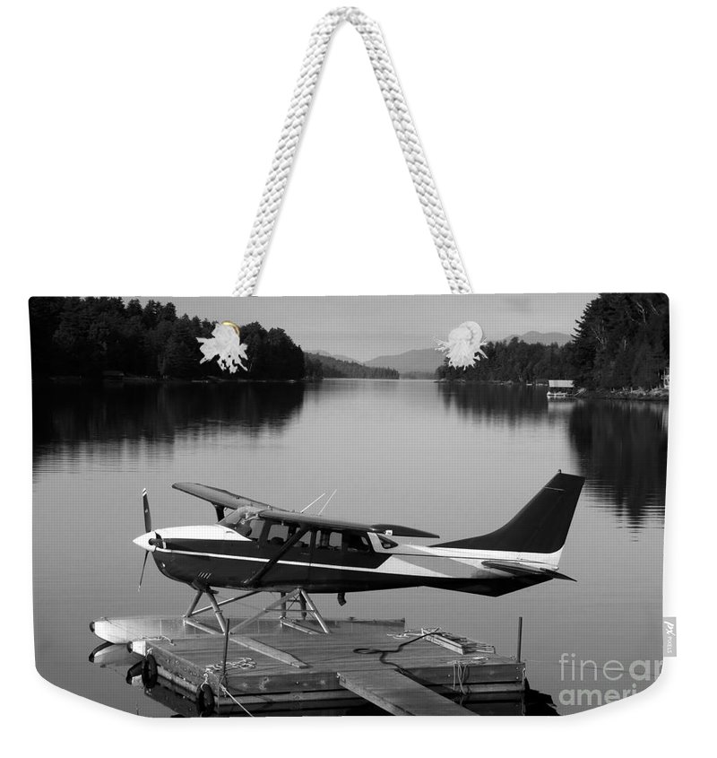 Float Plane Weekender Tote Bag featuring the photograph Getting Away by David Lee Thompson