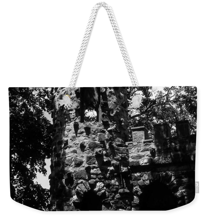 Castle Weekender Tote Bag featuring the photograph Glen Island Castle by Richard Rizzo