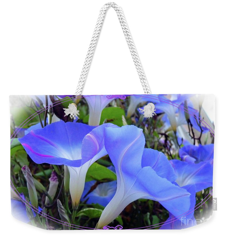 Morning Weekender Tote Bag featuring the photograph Glorious Morning by Linda Vodzak