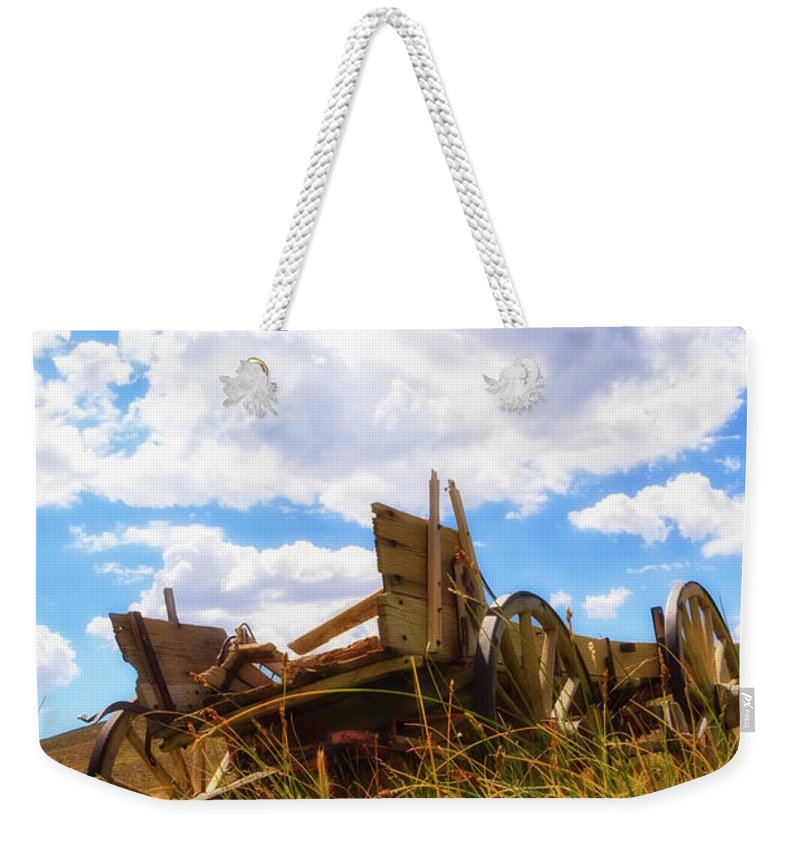 Abandoned Weekender Tote Bag featuring the photograph Go West by Rick Furmanek