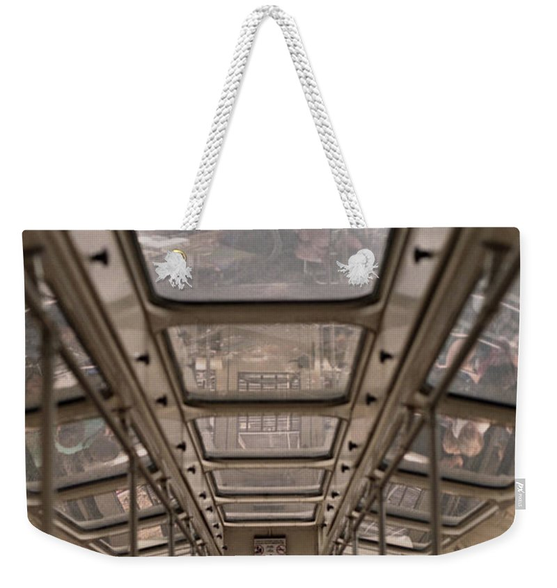 Cable Car Weekender Tote Bag featuring the photograph Going Down by Richard Rizzo