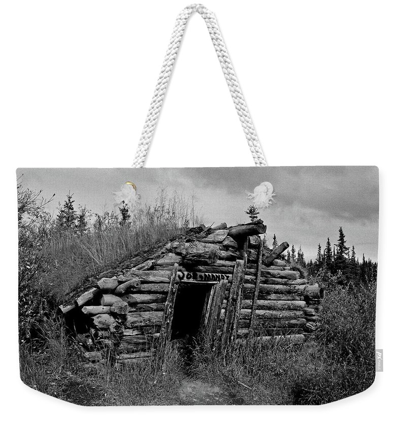 Gold Weekender Tote Bag featuring the photograph Gold Rush Cabin - Yukon by Juergen Weiss