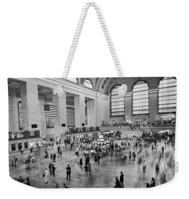 Nyc Weekender Tote Bag featuring the photograph Grand Central Terminal by Alejandro Cupi