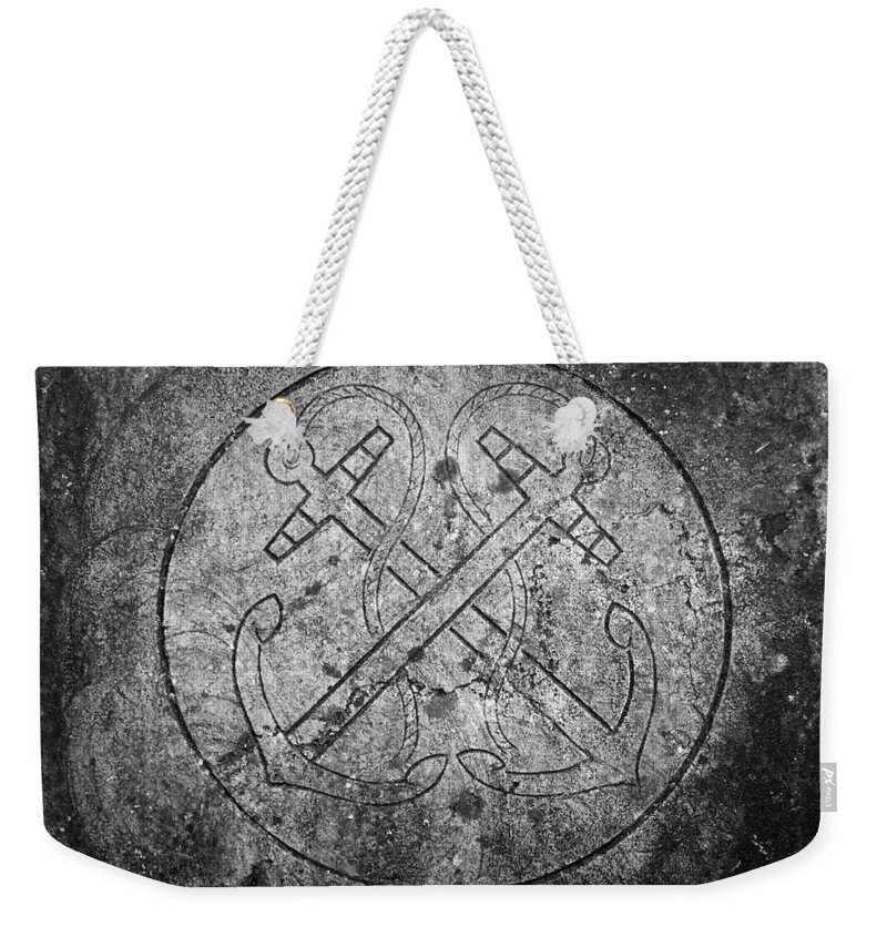 Irish Weekender Tote Bag featuring the photograph Grave Of Cadet Soady Macroom Ireland by Teresa Mucha