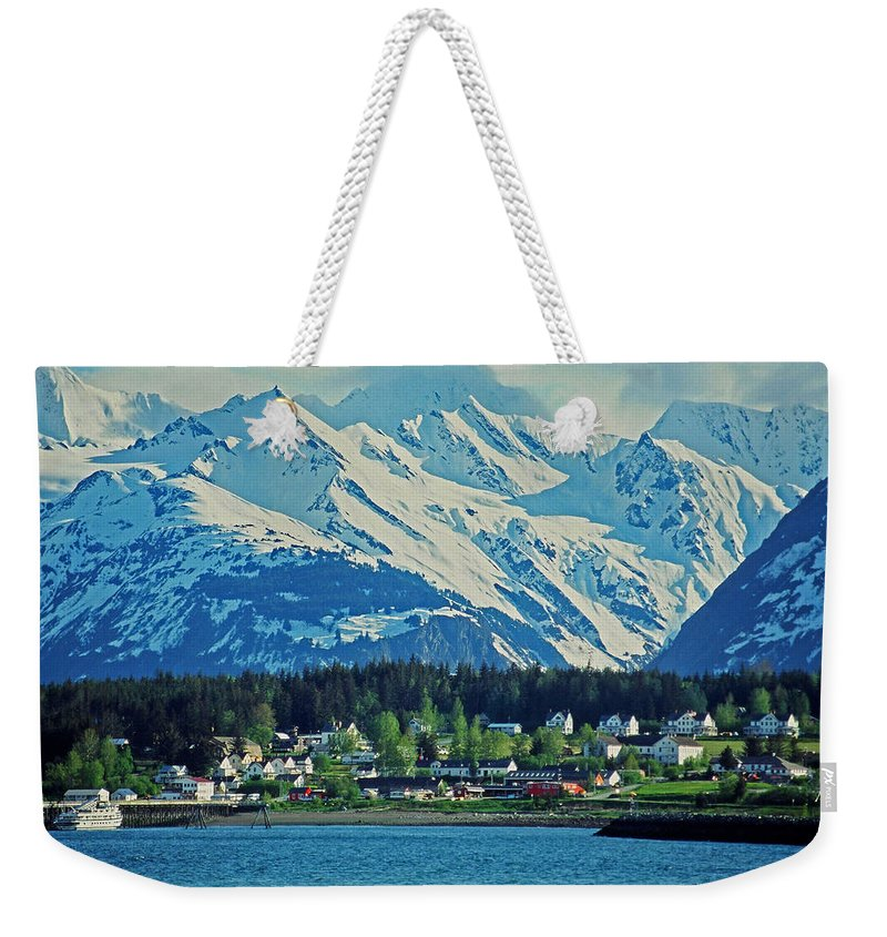 North Weekender Tote Bag featuring the photograph Haines - Alaska by Juergen Weiss