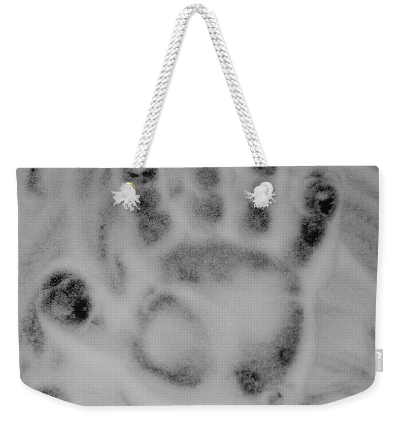 Black And White Weekender Tote Bag featuring the photograph Hand by Rob Hans