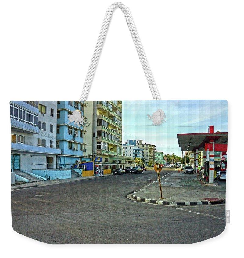 Havana Weekender Tote Bag featuring the photograph Havana-40 by Rezzan Erguvan-Onal