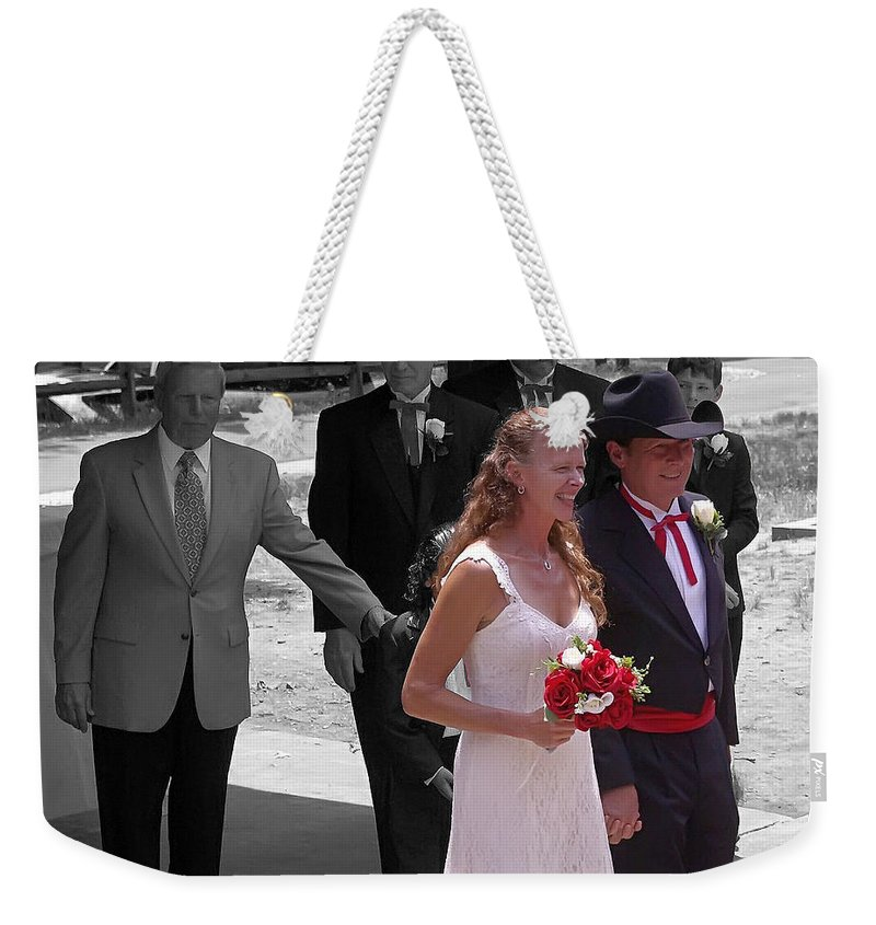 2d Weekender Tote Bag featuring the photograph Helen And Bob by Brian Wallace