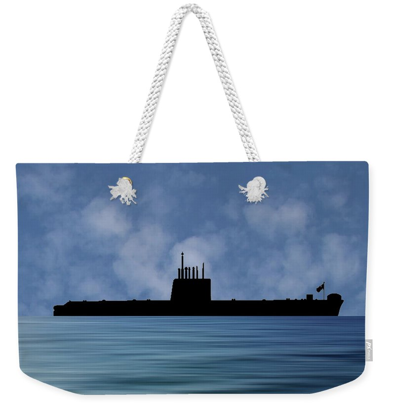 Hms Oberon Weekender Tote Bag featuring the photograph Hms Oberon 1976 V1 by Smart Aviation