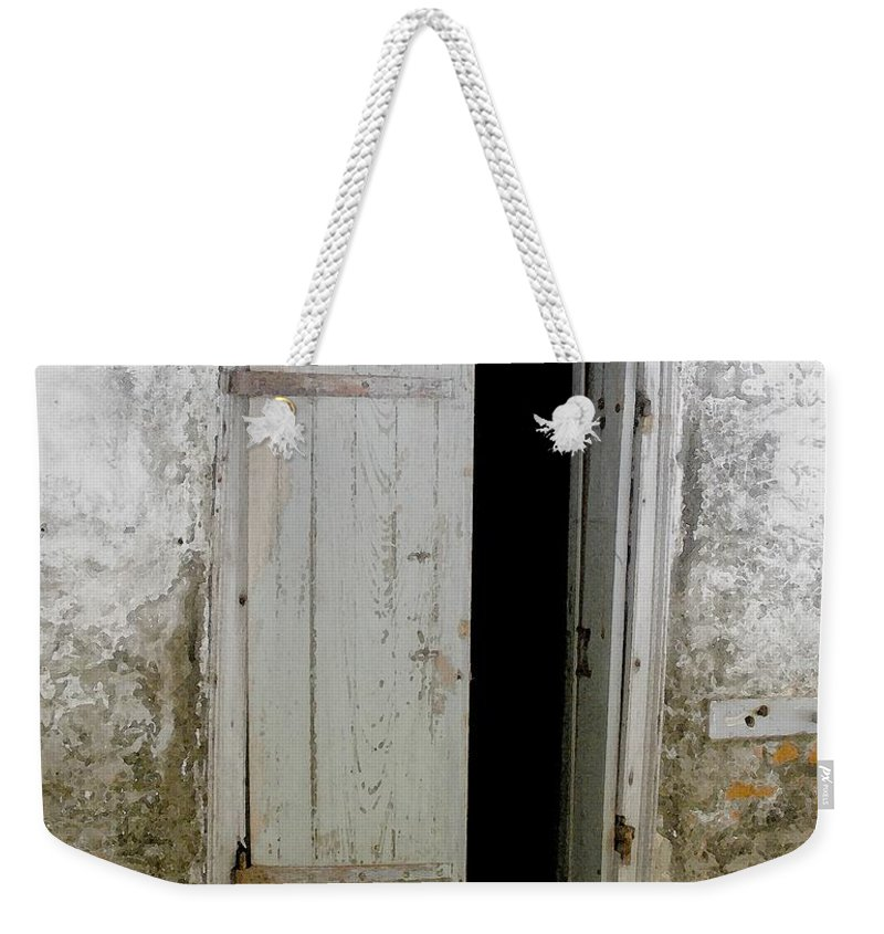 Door Weekender Tote Bag featuring the photograph Homeplace Doorway by Nelson Strong