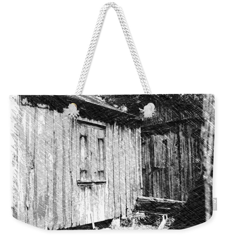 Louisiana Weekender Tote Bag featuring the photograph Homestead 3 by Dick Goodman