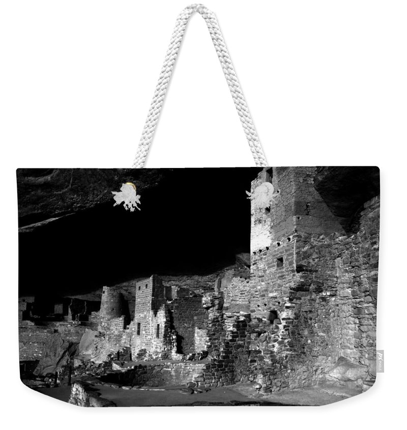 Mesa Verde National Park Colorado Weekender Tote Bag featuring the photograph Houses Of The Holly by David Lee Thompson