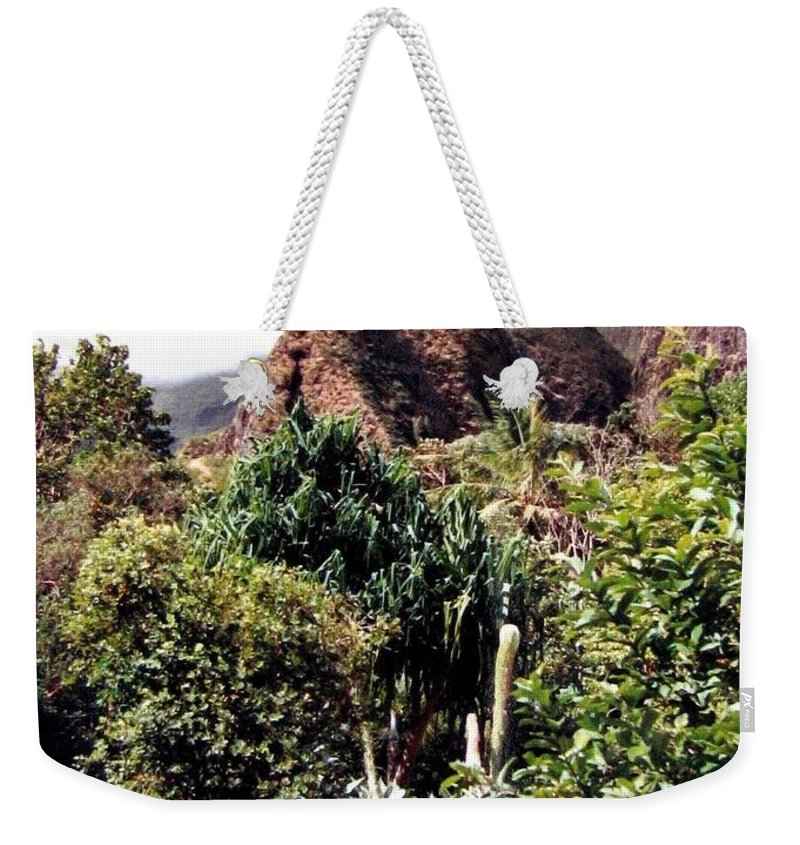 1986 Weekender Tote Bag featuring the photograph Iao Needle by Will Borden