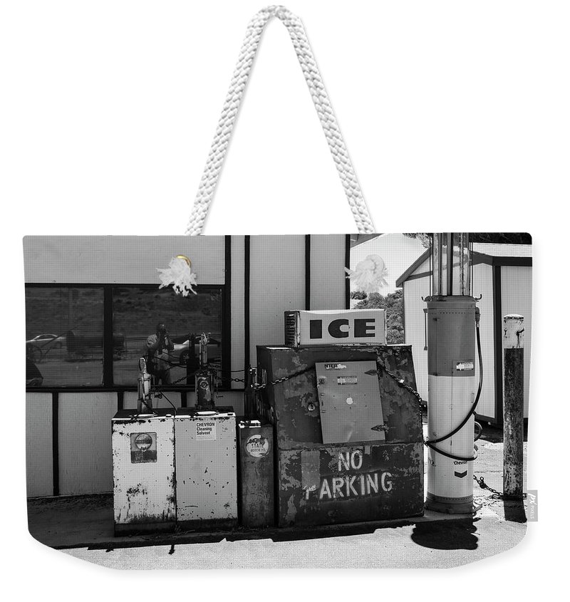 Route 66 Weekender Tote Bag featuring the photograph Ice - No Parking by Gene Parks