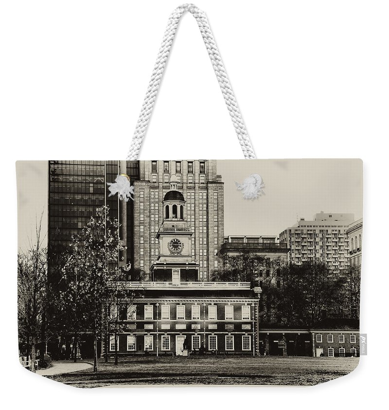 Philadelphia Weekender Tote Bag featuring the photograph Independence Hall by Bill Cannon