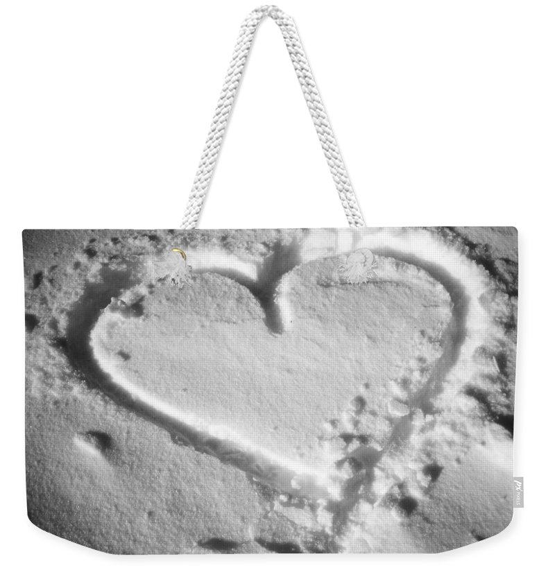 November Weekender Tote Bag featuring the photograph Winter Heart by Juergen Weiss