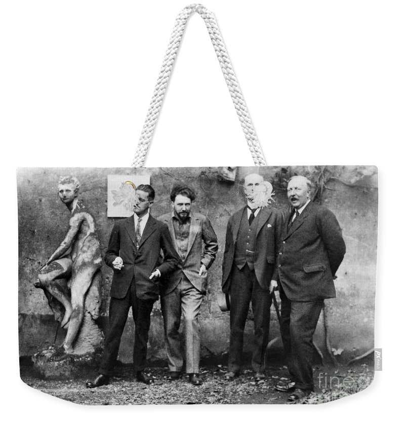 1923 Weekender Tote Bag featuring the photograph Joyce, Pound, Quinn & Ford by Granger