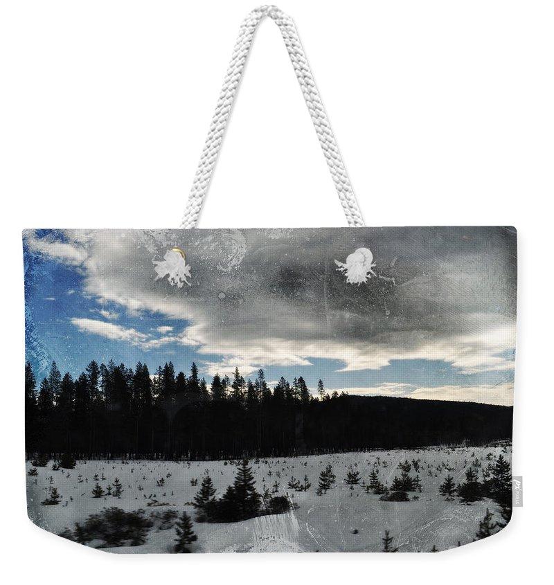 Oregon Weekender Tote Bag featuring the photograph Klamath Falls Sunrise by Kyle Hanson