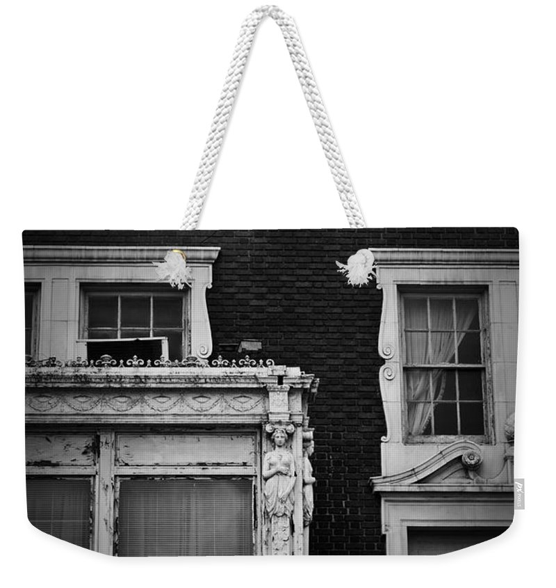 Roanoke Weekender Tote Bag featuring the photograph Lady Of The Patrick Henry Hotel Roanoke Virginia by Teresa Mucha