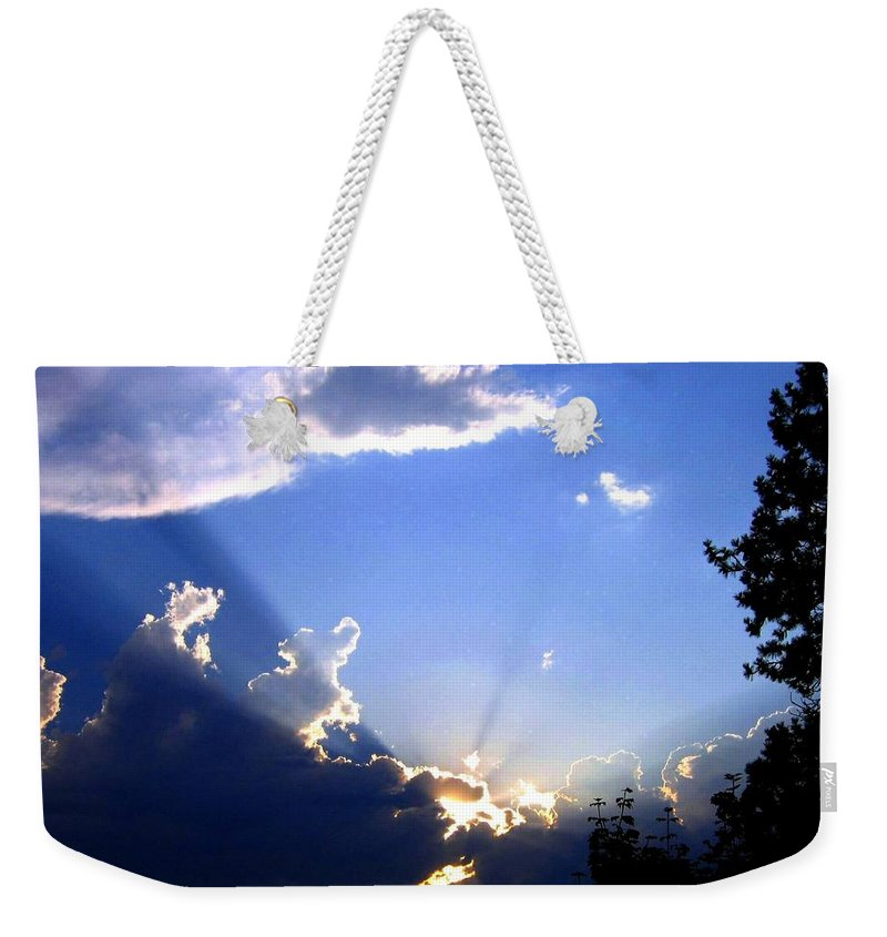 Sunburst Weekender Tote Bag featuring the photograph Lake Country Sunburst by Will Borden
