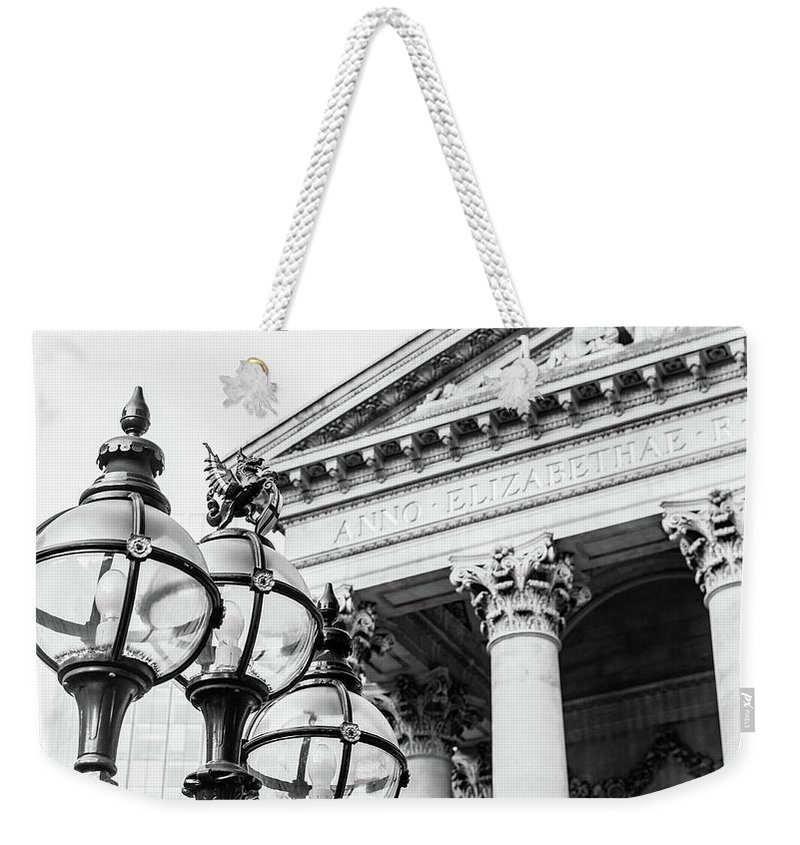 16x9 Weekender Tote Bag featuring the photograph Lamppost With English Dragon by Jacek Wojnarowski