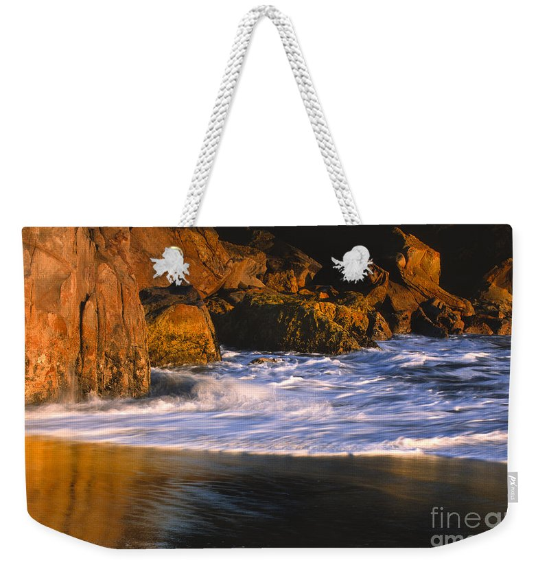 Harris Beach Weekender Tote Bag featuring the photograph Last Light On Harris Beach by Sandra Bronstein