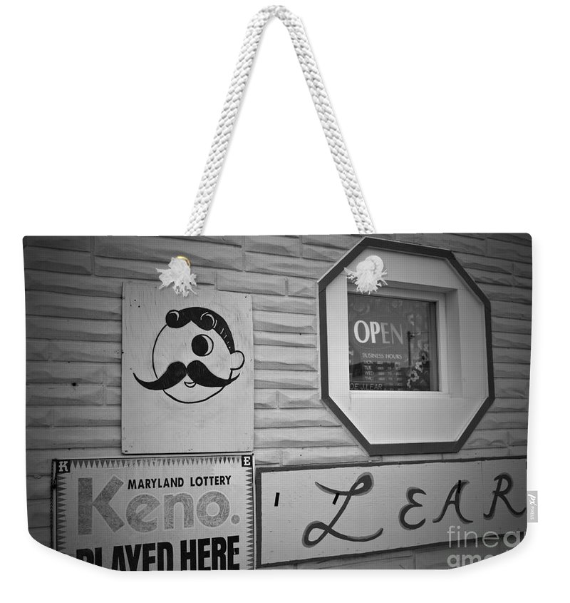 Unther Weekender Tote Bag featuring the photograph Lears Natty by Jost Houk