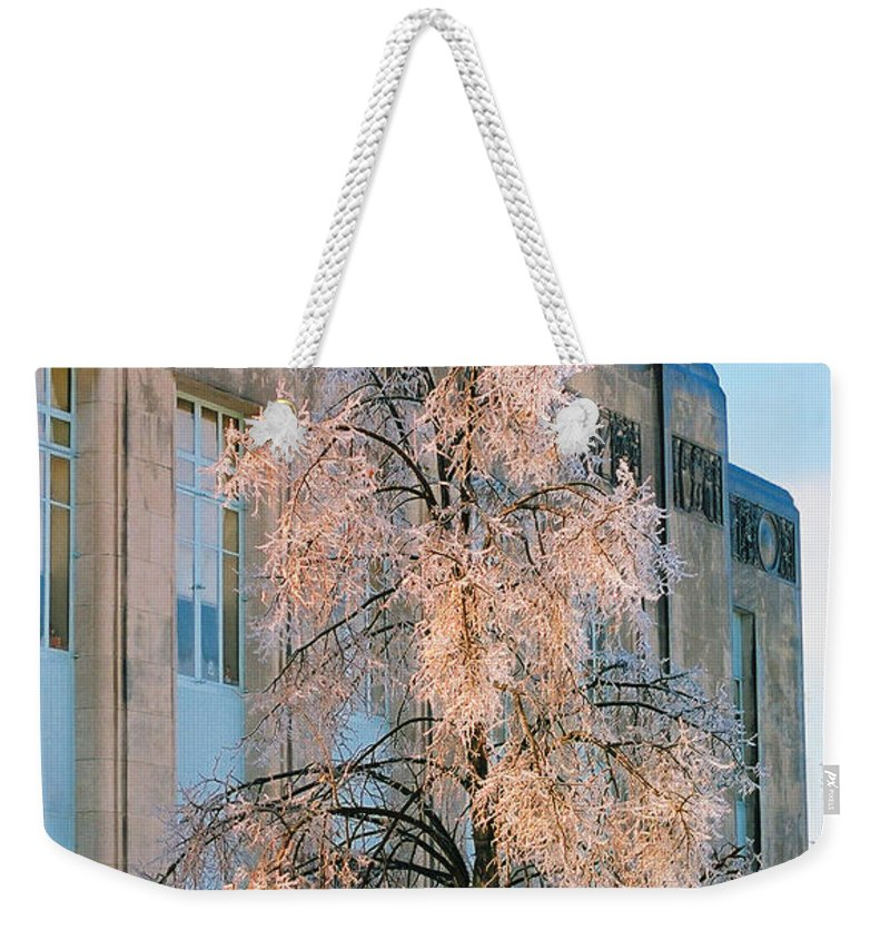 Architecture Weekender Tote Bag featuring the photograph Liberty Court House by Steve Karol