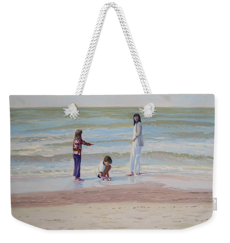 Beach Weekender Tote Bag featuring the painting Look What I Found by Lea Novak