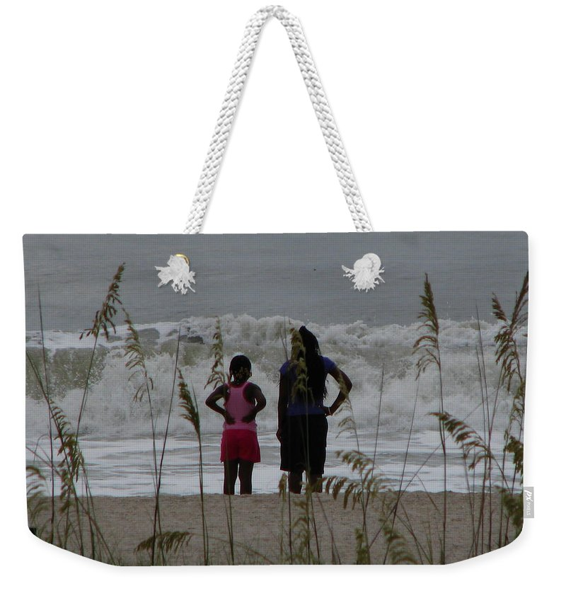 Patzer Weekender Tote Bag featuring the photograph Looking by Greg Patzer