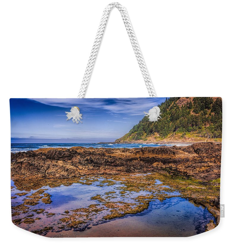 Oregon Weekender Tote Bag featuring the photograph Low Tide by Diana Powell