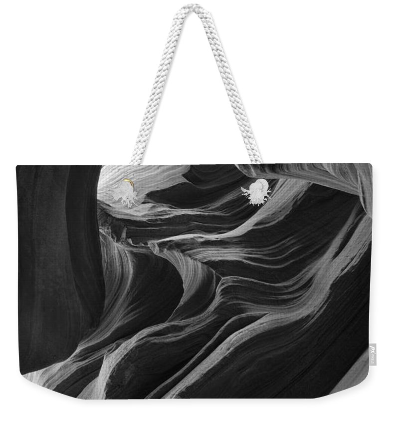 Slot Weekender Tote Bag featuring the photograph Lower Antelope Canyon 7712 by Bob Neiman