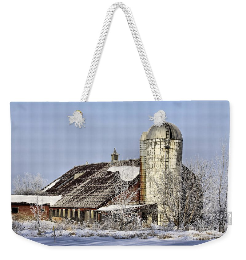 Vermont Weekender Tote Bag featuring the photograph Lower Newton Rd. Barn by Deborah Benoit