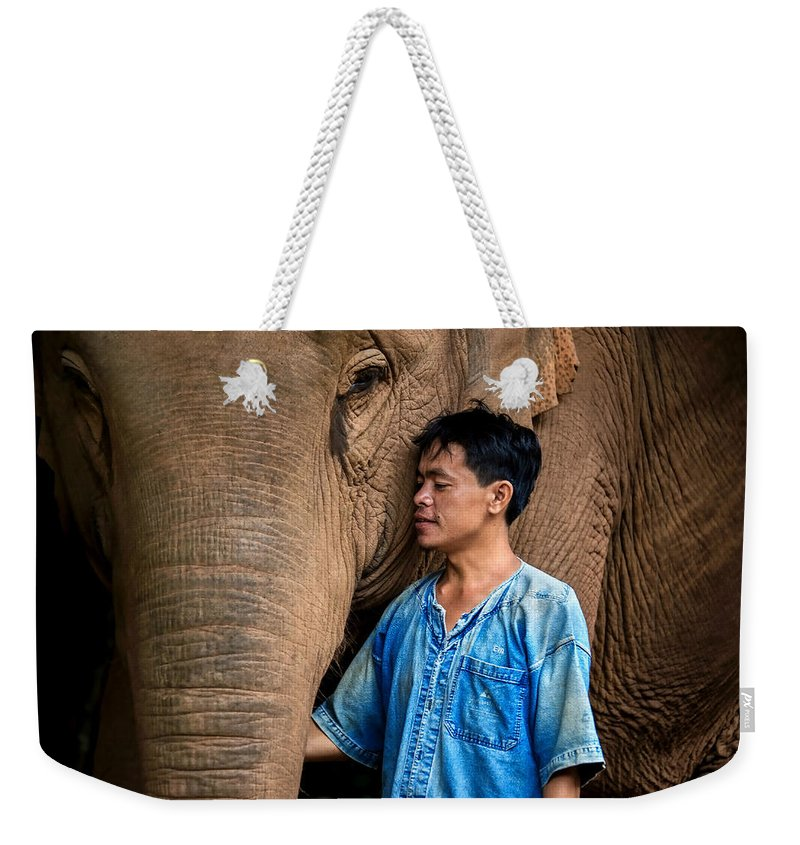 Siam Weekender Tote Bag featuring the photograph Mahout Em by Lee Craker
