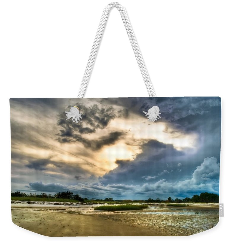 Beach Weekender Tote Bag featuring the photograph Majestic Sky by Rich Leighton