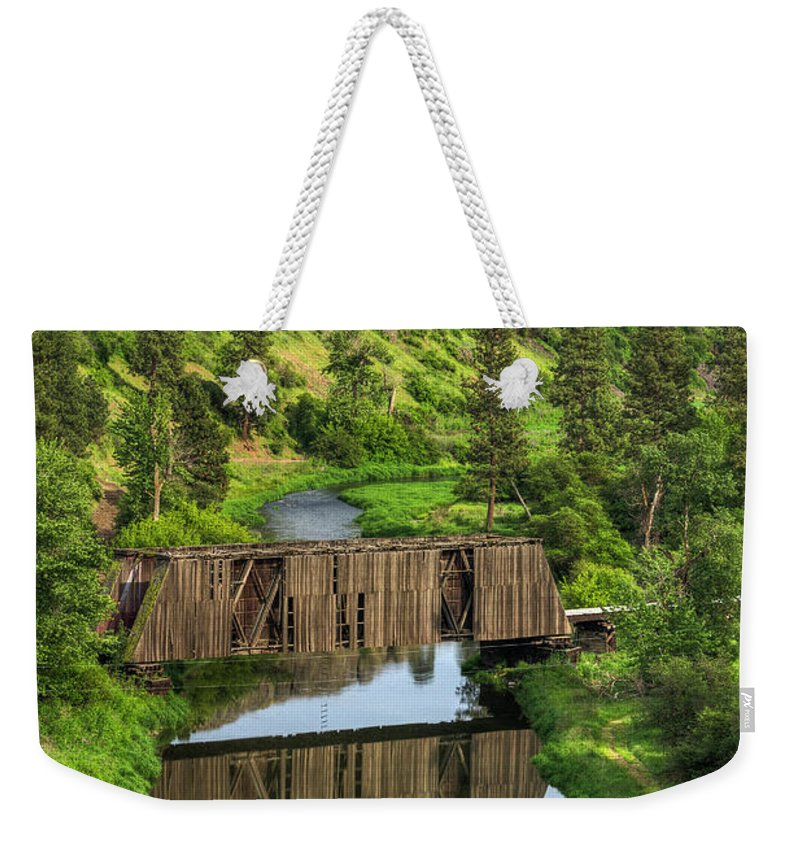 Palouse Weekender Tote Bag featuring the photograph Manning-rye Bridge by Mark Kiver