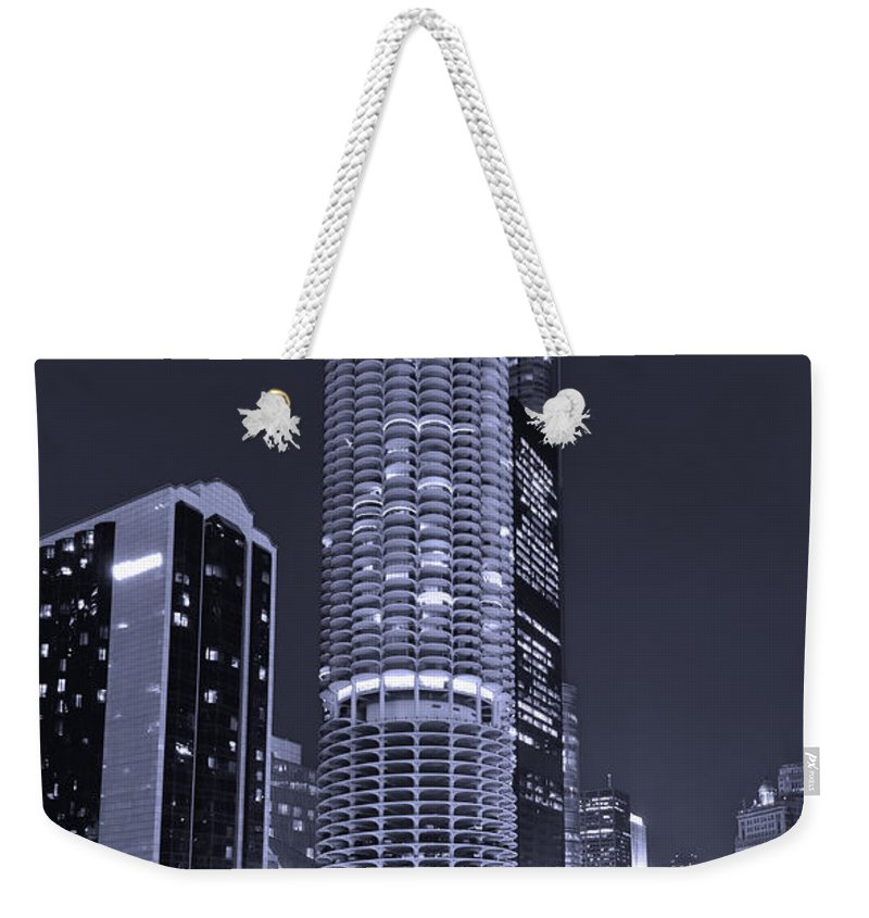 Marina City Weekender Tote Bag featuring the photograph Marina City On The Chicago River In B And W by Steve Gadomski