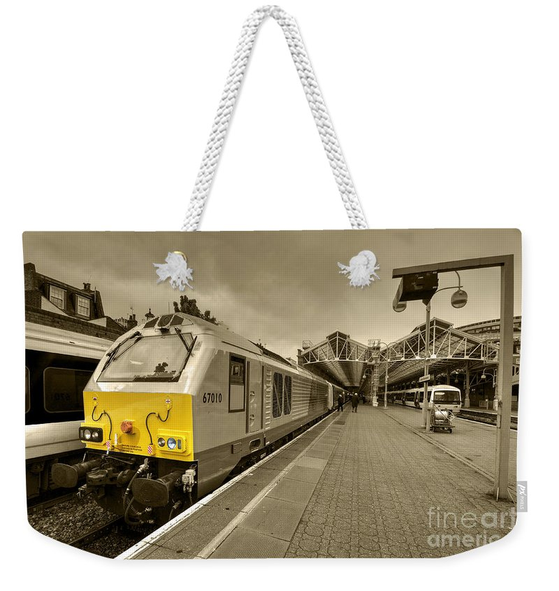 London Weekender Tote Bag featuring the photograph Marylebone 67 by Rob Hawkins