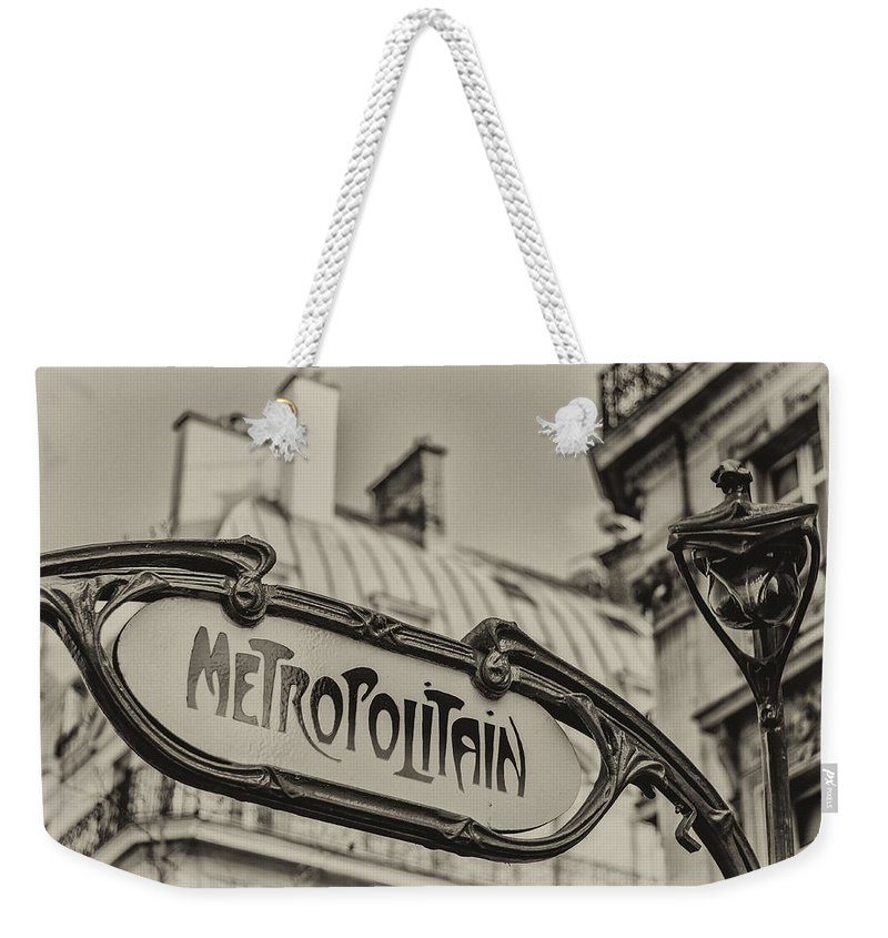 Paris Weekender Tote Bag featuring the photograph Metropolitain by Pablo Lopez