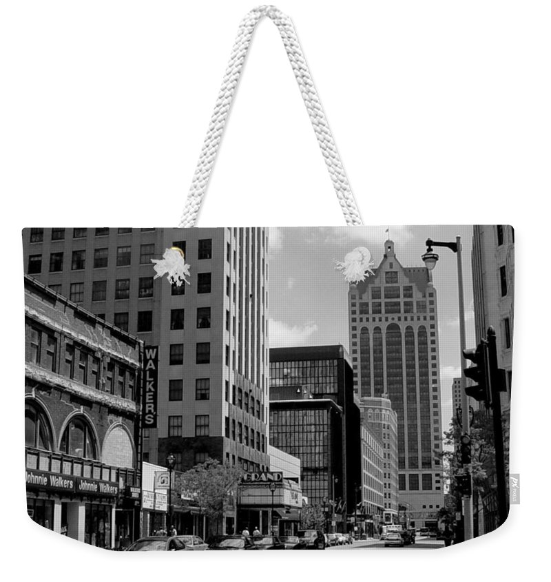 Milwaukee Weekender Tote Bag featuring the photograph Milwaukee Street Scene B-w by Anita Burgermeister