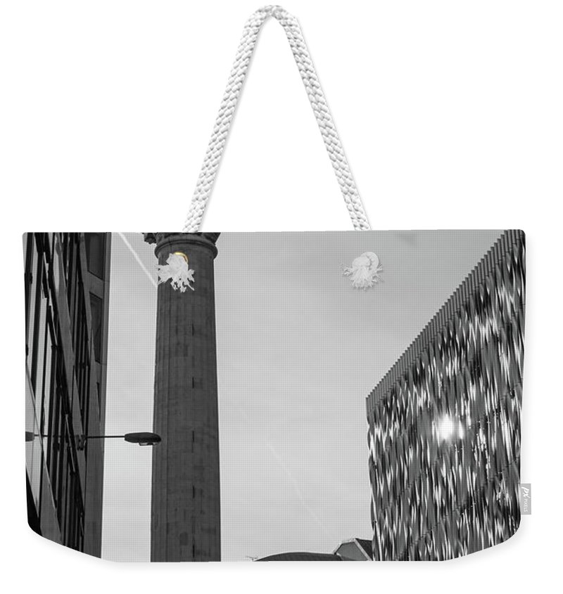 6x4 Weekender Tote Bag featuring the photograph Monument To The Great Fire Of London Bw by Jacek Wojnarowski