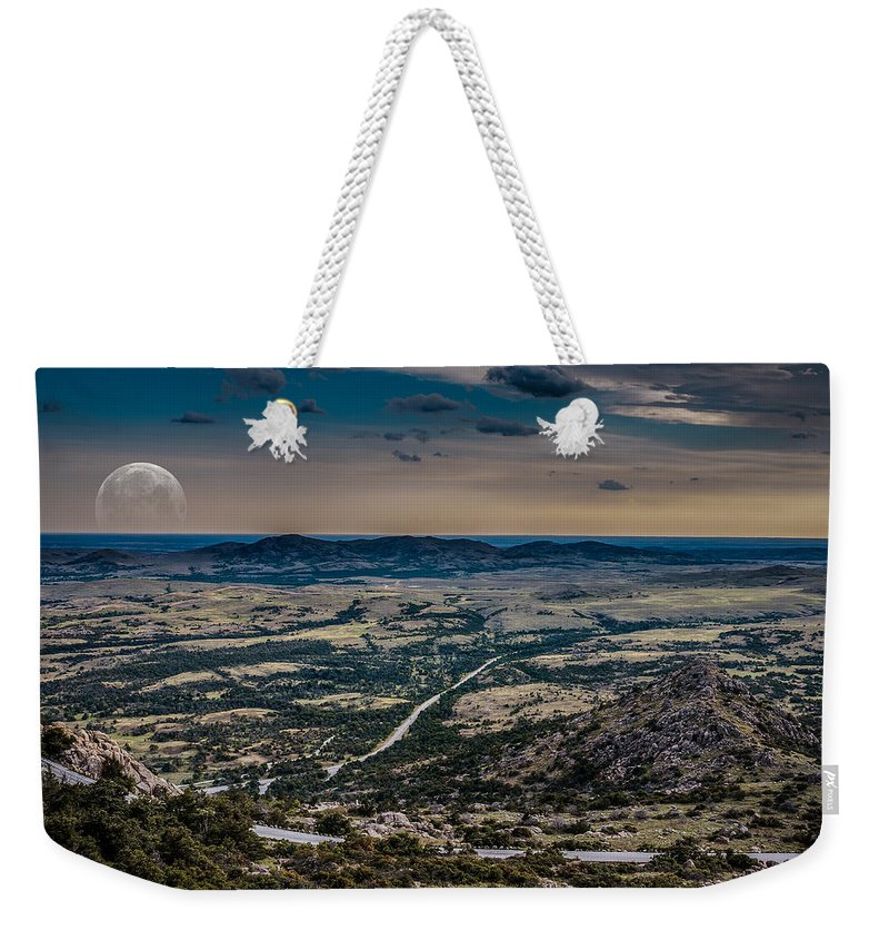 Horizontal Weekender Tote Bag featuring the photograph Moon On The Plains by Doug Long