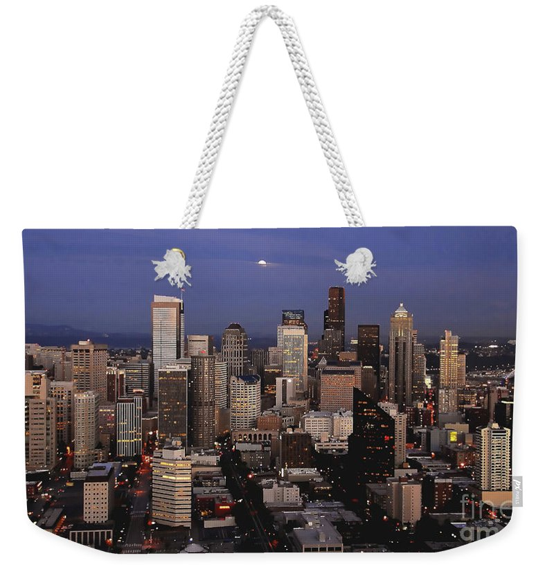 Seattle Weekender Tote Bag featuring the photograph Moon Over Seattle by David Lee Thompson