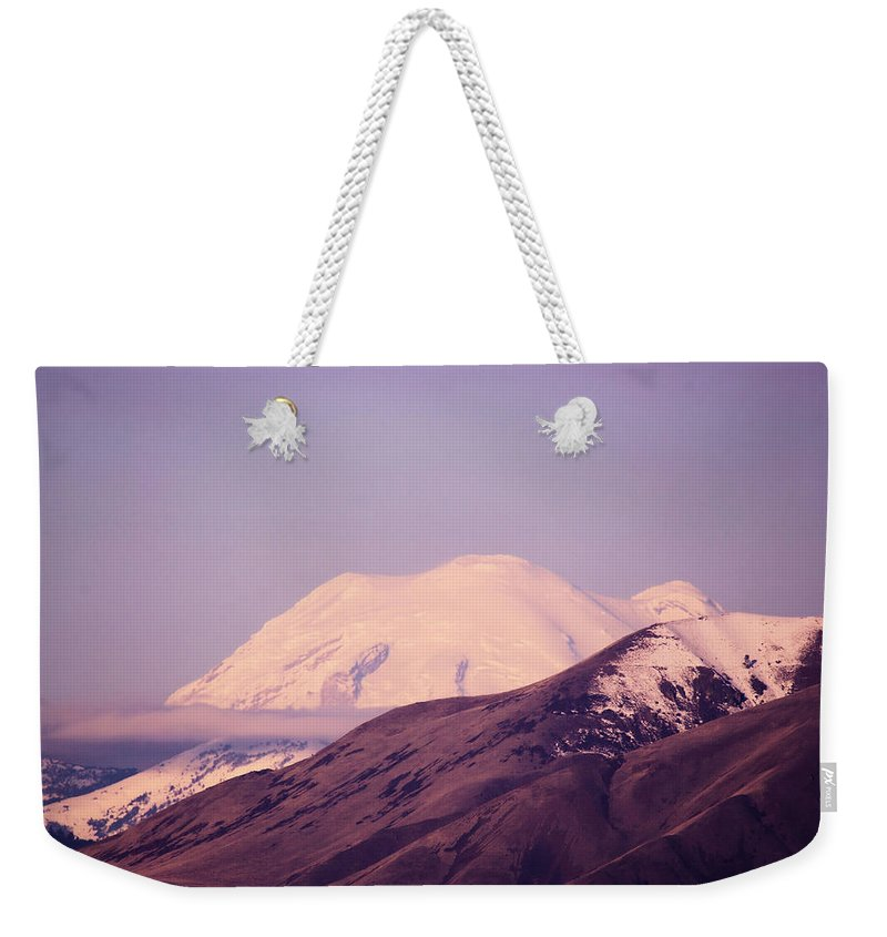 Wenas Valley Weekender Tote Bag featuring the photograph Mt Rainer From The Wenas Valley by Jeff Swan