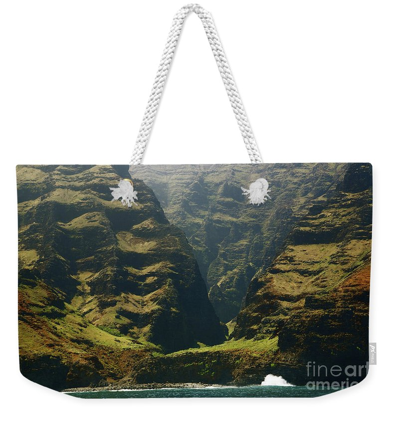 Beautiful Weekender Tote Bag featuring the photograph Na Pali 1 by Kicka Witte - Printscapes