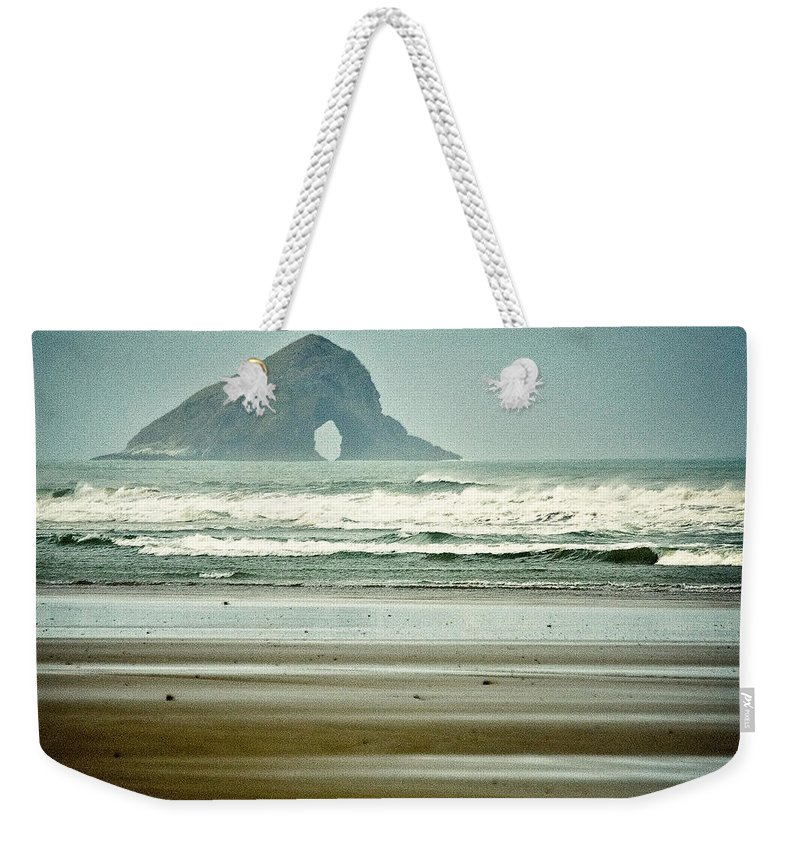 Seascape Weekender Tote Bag featuring the photograph Ninety Mile Beach by Dave Bowman
