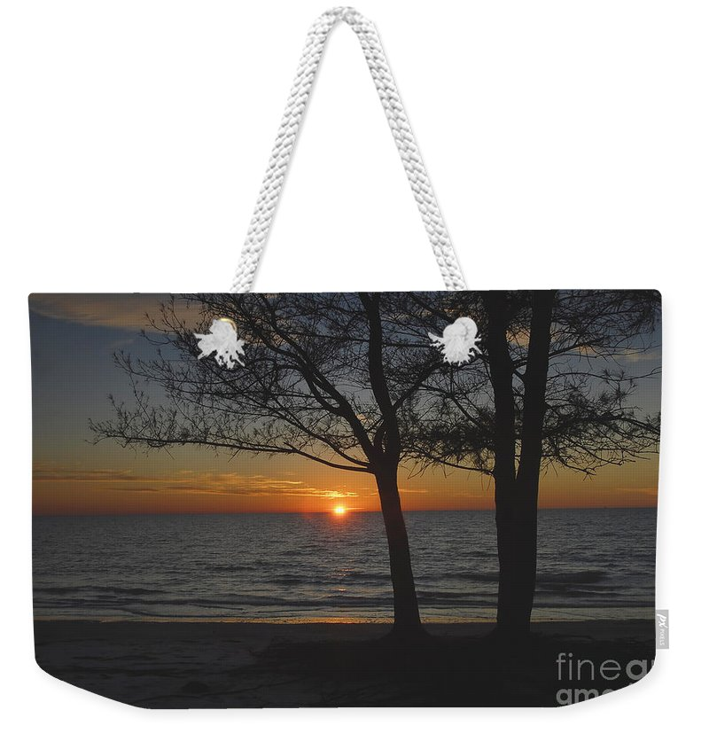 Beach Weekender Tote Bag featuring the photograph North Beach Sunset by David Lee Thompson