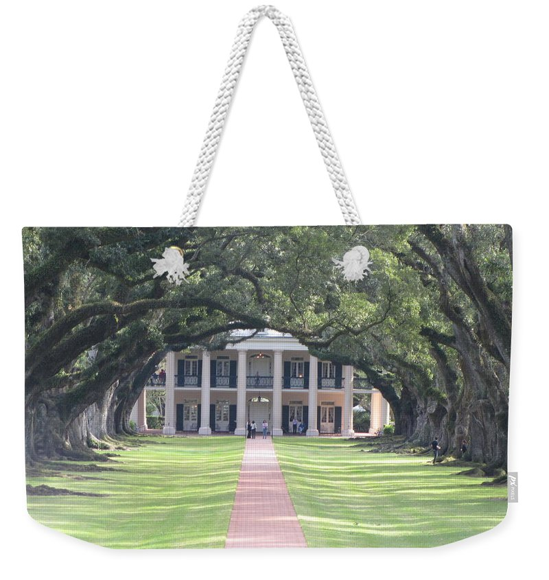 Plantation Homes Weekender Tote Bag featuring the photograph Oak Alley Plantation by Michelle Powell