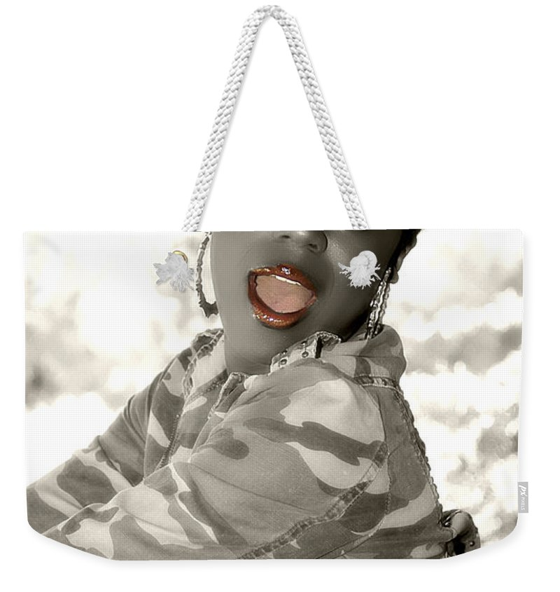 Clay Weekender Tote Bag featuring the photograph Oh Oh by Clayton Bruster